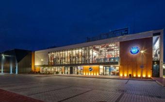new-22slaskie-centrum-tenisa-pszczyna-budynek-glowny-wieczorem-3496298765